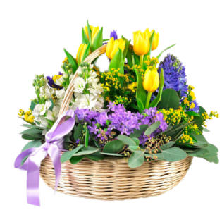 Цветы в корзинке с гиацинтами